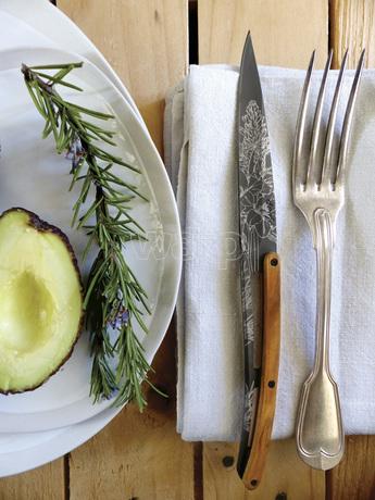 Deejo 2FB010 6 steak knives set Blossom , titan finish, olive wood handle 3