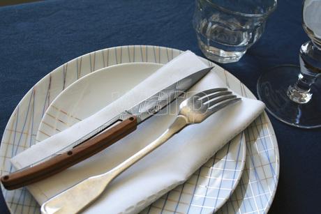 Deejo 2FB012 6 steak knives Art Déco , titan finish, olive wood handle 3